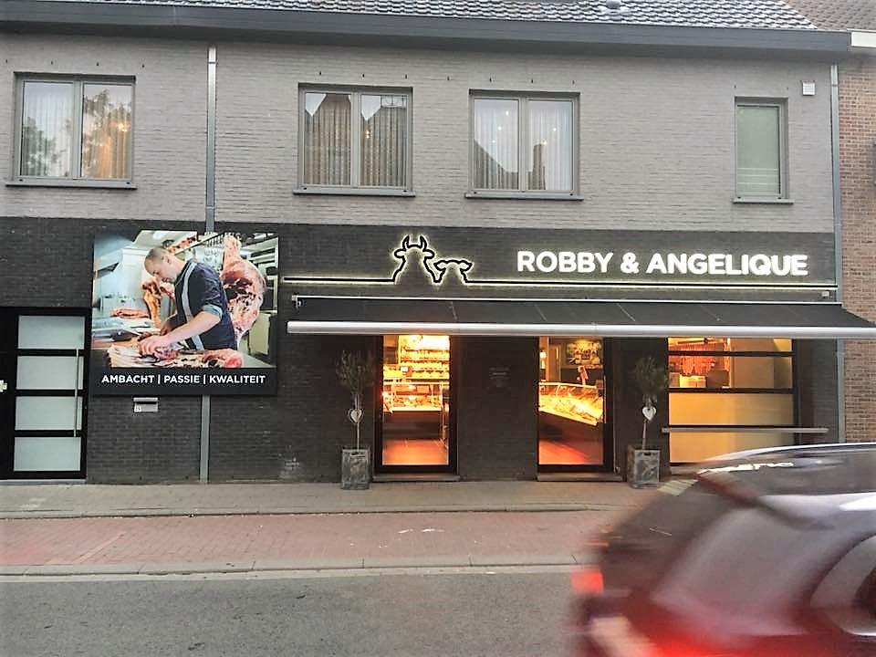 Het buitenaanzicht van Slagerij Robby & Angelique te Dentergem uw ambachtelijke slager